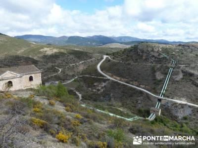 Senda Genaro - GR300 - Embalse de El Atazar - Patones de Abajo _ El Atazar; senderismo equipamiento